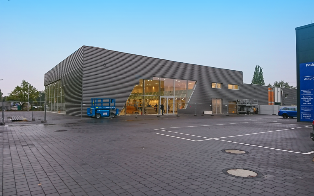 Salon samochodowy marki Audi z serwisem